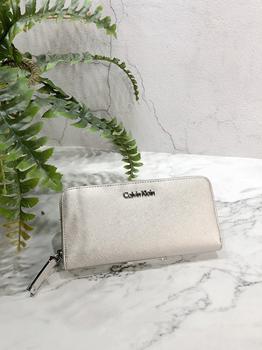 c9582240e126 美國百分百【Calvin Klein】皮夾CK 長夾手拿包女包皮革錢包鈔票女logo 銀色J027